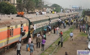 Stop attempting suicide – ?NRC warns commuters who sit on train roof